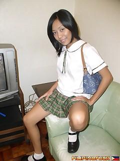 Schoolgirls Pics
