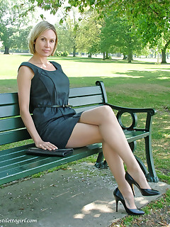 Its always nice to see a sexy blonde outdoors showing off her heels